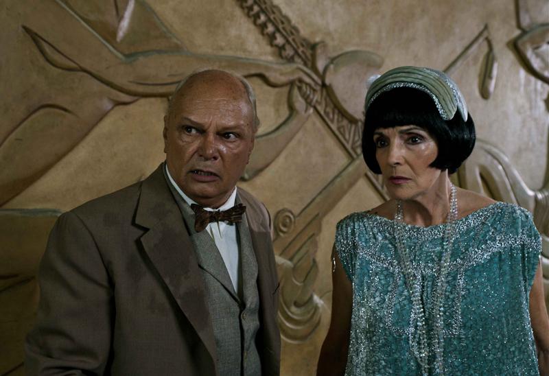 Eslinda Nuñez (Elenita Ruiz) y Enrique Molina (Larry Po)